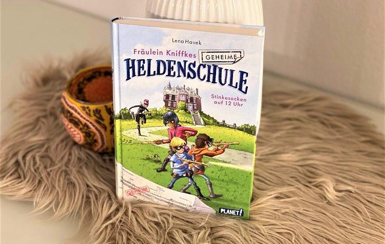 Fräulein Kniffkes geheime Heldenschule